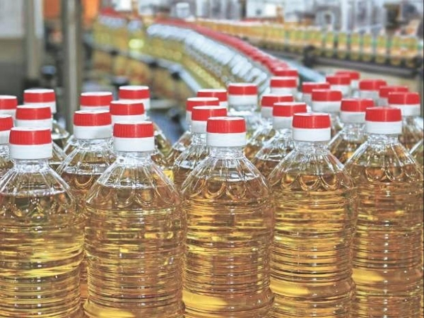 Edible oil prices up by 20-30 per cent in last one year, govt may consider reducing import duty on p
